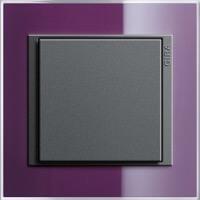 Gira Event Clear. Цвет рамки: Фиолетовый; Цвет вставки и клавиши: Антрацит