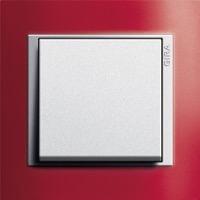 Gira Event Opaque. Цвет рамки: Красный; Цвет вставки и клавиши: Алюминий
